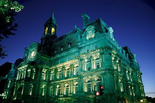Montreal illuminé pour le mois des allergies